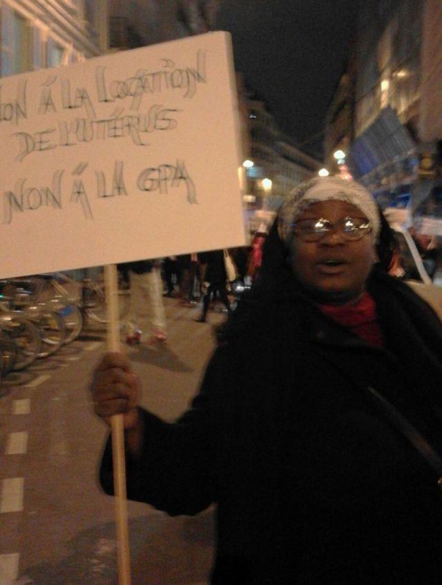 FemmesMigrantesDebout.jpg